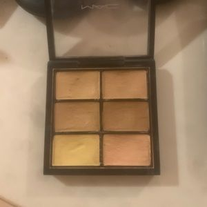PRO CONCEAL AND CORRECT PALETTE medium